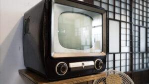 【GIF動画】昔の地上波テレビ、これエロすぎてアウトやろ!?